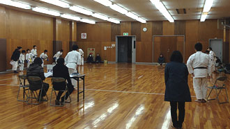 追加練習(鶴見スポーツセンター)   空手  …