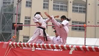 約束組手-上段蹴りから後回し蹴り