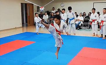 空手運動会 飛び蹴りボールハイキック3(晴城会 城東区)