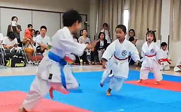 空手運動会 紙風船割り組手1(晴城会 城東区)